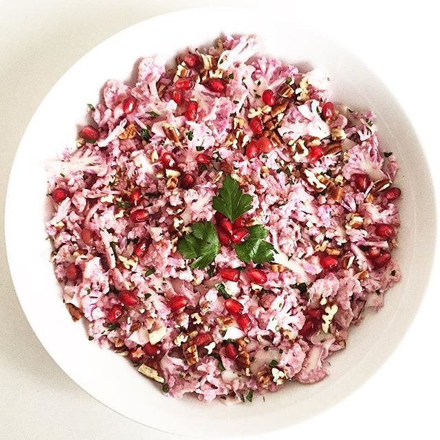 A festive looking yet light shaved cauliflower #salad for the last #marketfresh #meatlessmonday  #lunch of the year. And with pretty pink hues thanks to the cauliflower head found at a recent #farmersmarket run! Just needed to slice it thinly, salt and pepper it, add olive oil and lemon juice, parsley, pomegranate and slightly toasted pecans. And enjoy :) Bonus: it leaves ample room for all the #NewYearsEve stuff ;) Wishing everyone a Happy New Year! 🥗🎉 #newyear #veggie #feast