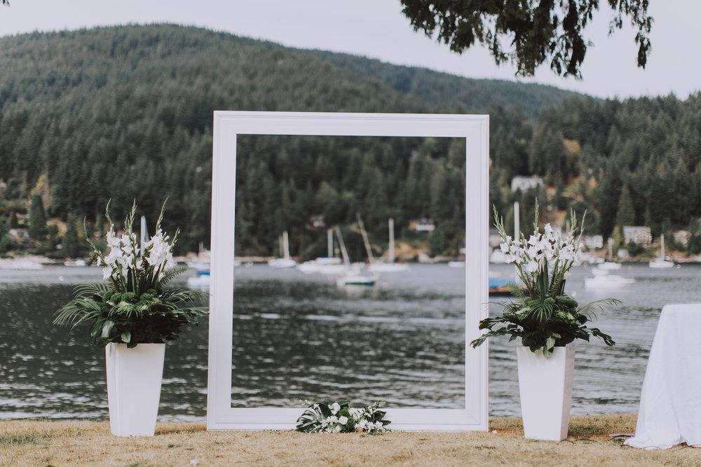 Bowen-Island-wedding-Bowen-Island-Lodge-vancouver-island-wedding-photographer-14.jpg