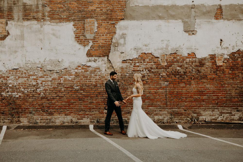 Industrial-Vibe-Wedding-Sambajoy-Photo-Art-12.jpg