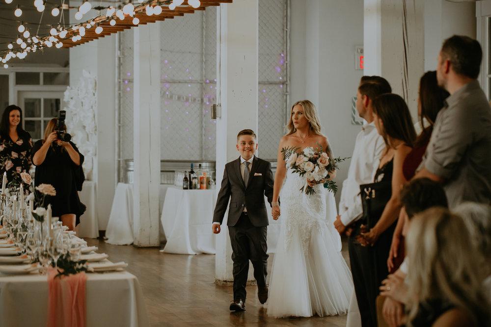 Industrial-Vibe-Wedding-Sambajoy-Photo-Art-23.jpg