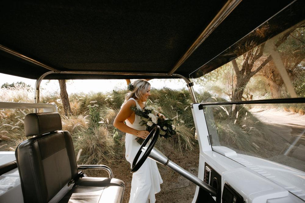 Modern_Golf_Club_Wedding_in_Palm_Springs_010.jpg