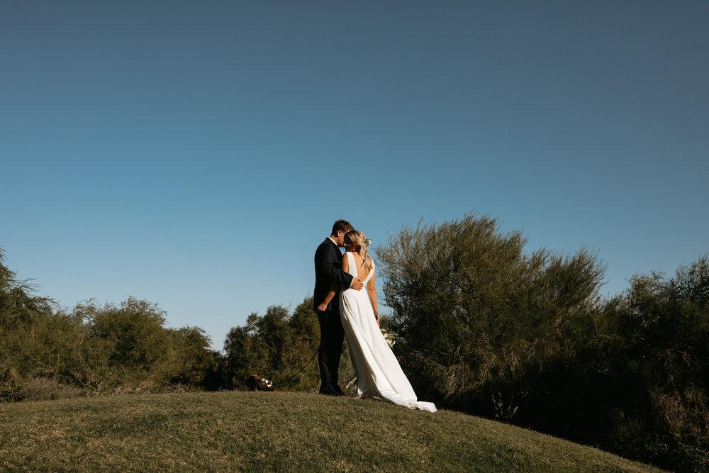 Modern_Golf_Club_Wedding_in_Palm_Springs_017.jpg