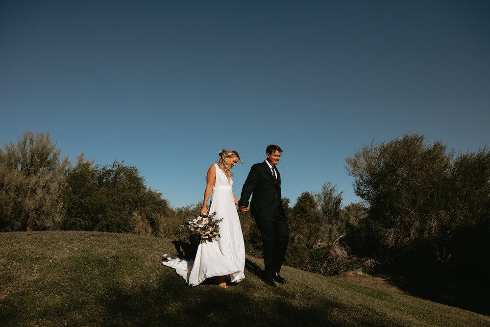 Modern_Golf_Club_Wedding_in_Palm_Springs_018.jpg