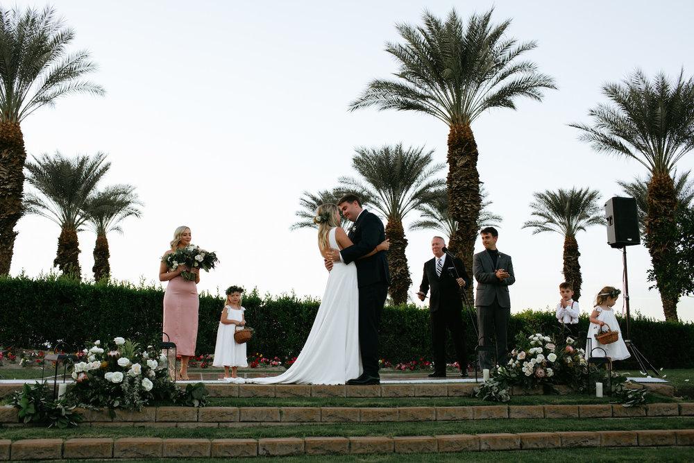 Modern_Golf_Club_Wedding_in_Palm_Springs_031.jpg