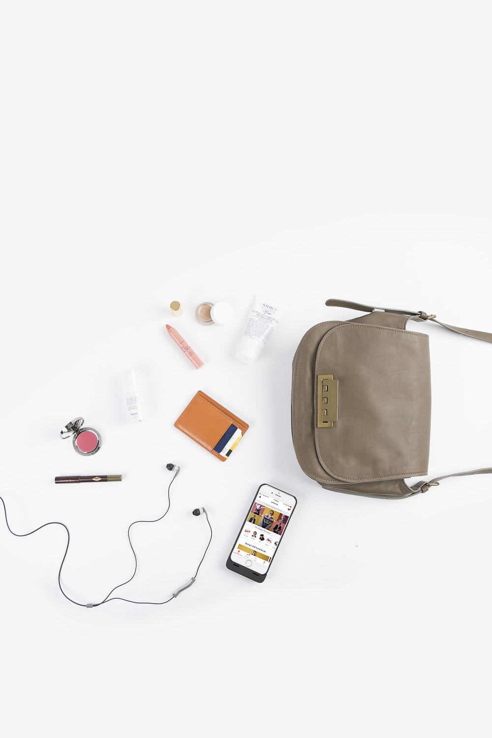 whats in your bag0614.jpg