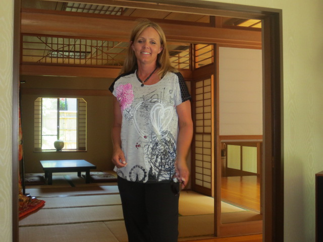 Gudrun surrounded by wonderful Japanese style