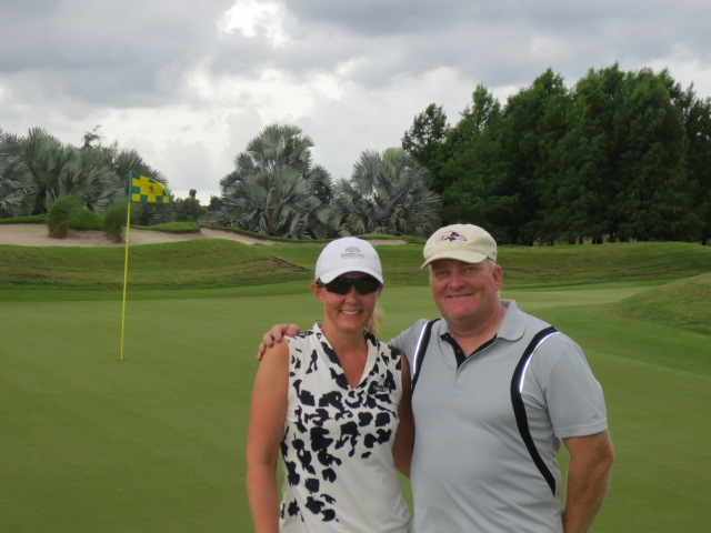 Gudrun and Oli on the golf course