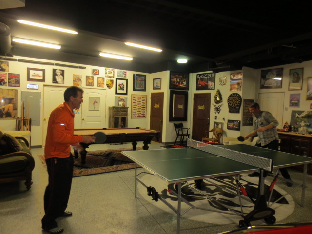Craig and Benni playing ping pong and it´s clear that the competitive element was there.