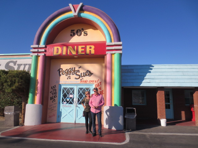 We have seen many diners in America, but this 50´s Peggy Sue´s Diner is just awesome.  On the way from Vegas to L.A.