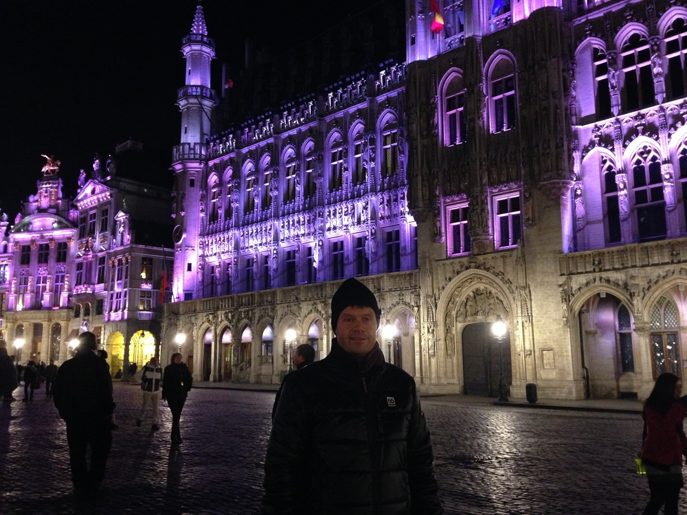 Benedikt on Grand Place Brussels with the ongoing music and light show
