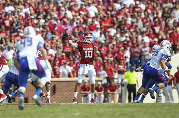 Blake Bell flourished in his first start at quarterback for Oklahoma. (Photo courtesy: dallasnews.com)