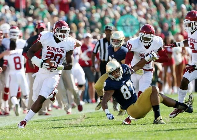 Frank Shannon's early interception helped put Oklahoma in control against Notre Dame. (Photo courtesy: indystar.com)