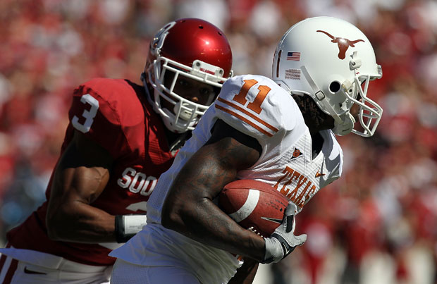 The Sooners and Longhorns are bringing cap guns to the Red River Shootout lately. (Image courtesy: USA Today Sports)