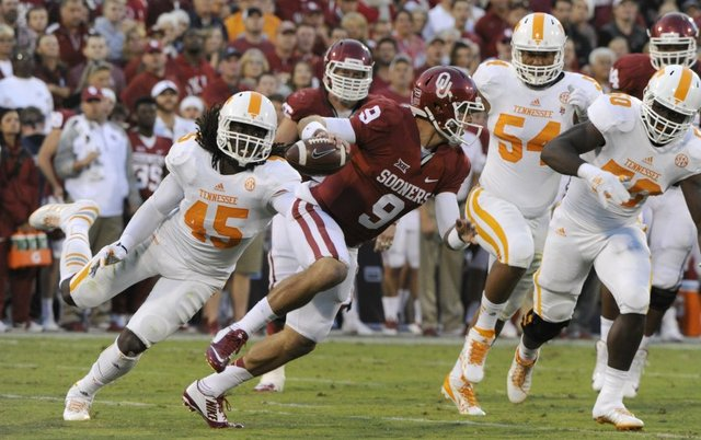 Trevor Knight will need all his moves against Clemson's nasty defense. (Image: knoxnews.com)