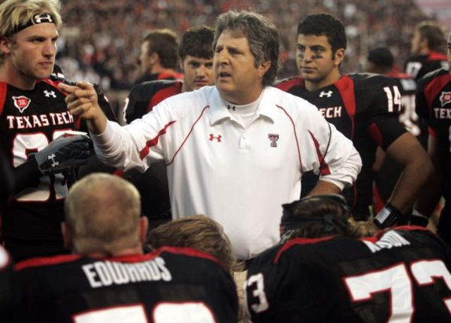 Mike Leach had a big role in turning the Big 12 into the cradle of the spread offense. (Image: commercialappeal.com)