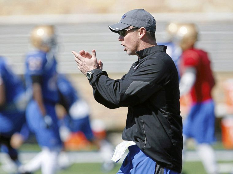 Philip Montgomery has Tulsa off to a 2-0 start in his first season as head coach. (Image: tulsaworld.com)