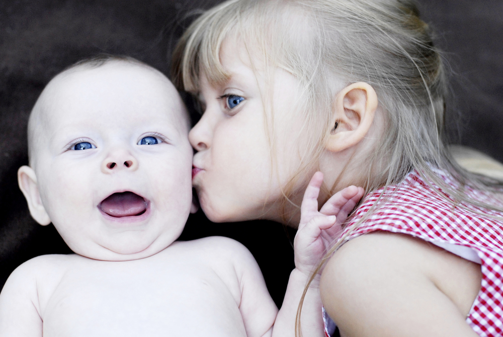 _DSC0066 avery big smile emma kiss color sensation.jpg