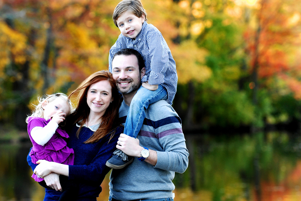 _DSC0576 family by colorful leaves and lake color.jpg