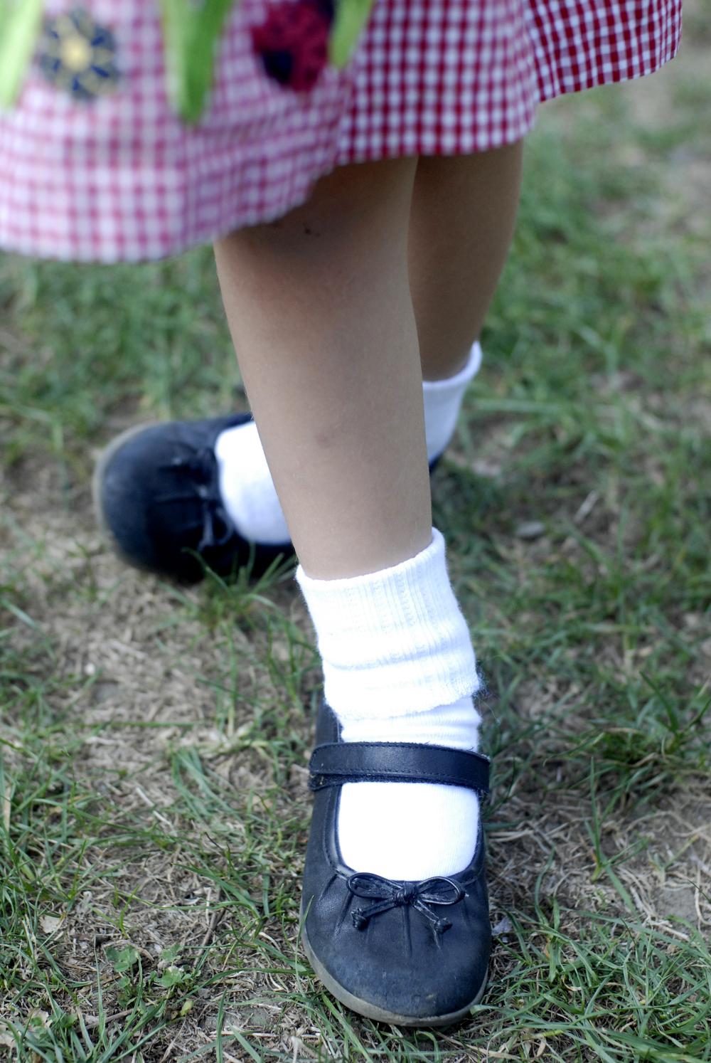 _DSC0036 emma's feet.jpg