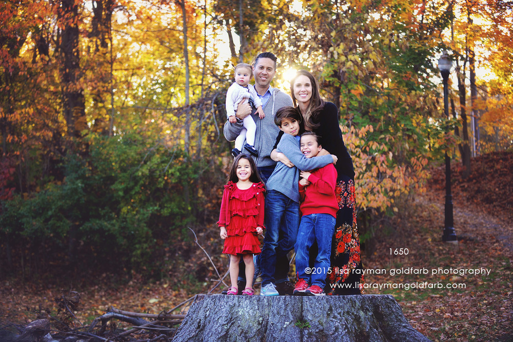 DSC_1650 family on stump together 1650.jpg