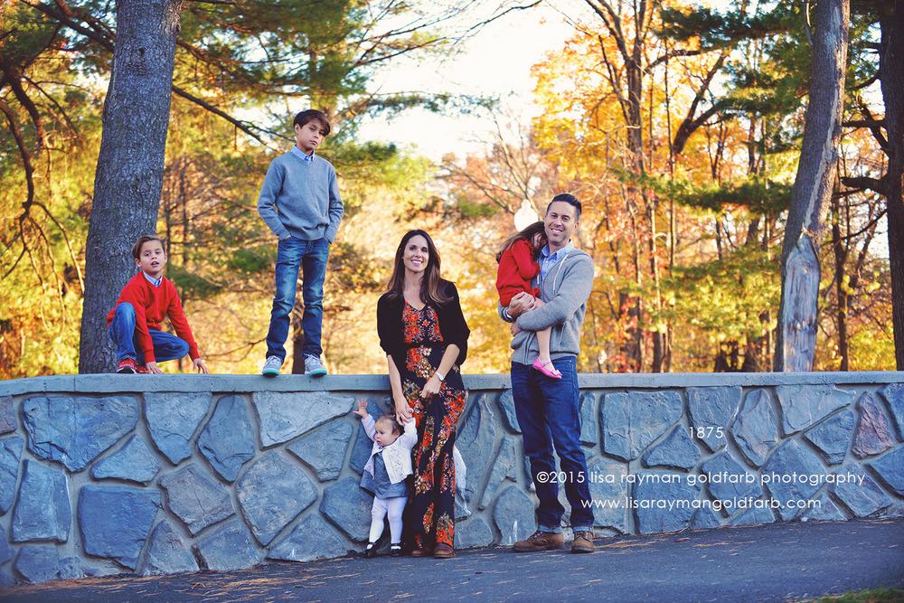 DSC_1875 family by wall wm.jpg