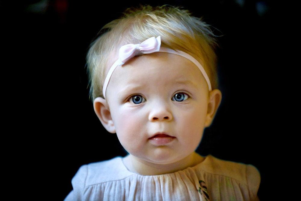DSC_9448 portrait sophie by window color 8x12 FINAL web.jpg