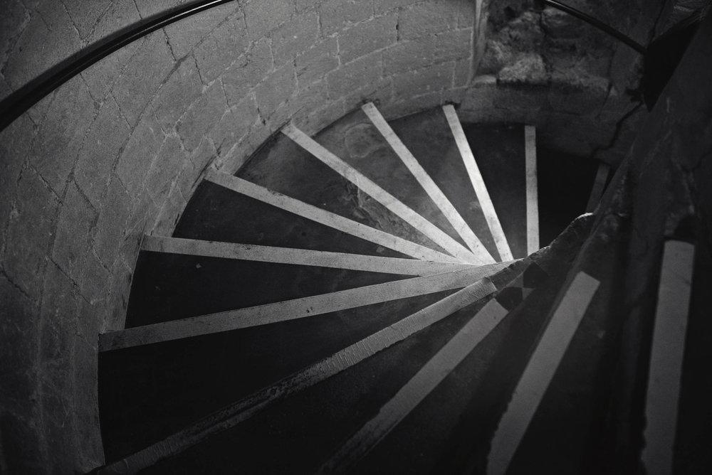 _DSC3215 spiral steps bw web.jpg