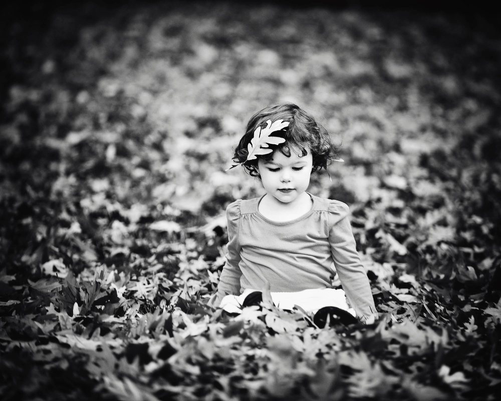 DSC1177 in the leaves BW.jpg
