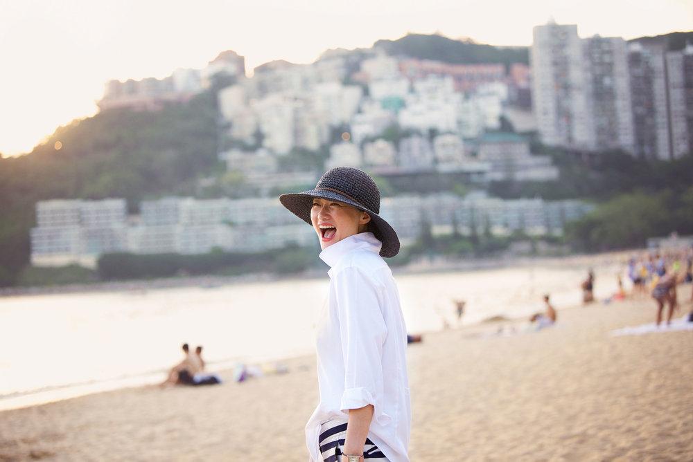 DSC_8139 grace laugh on beach FINAL web.jpg