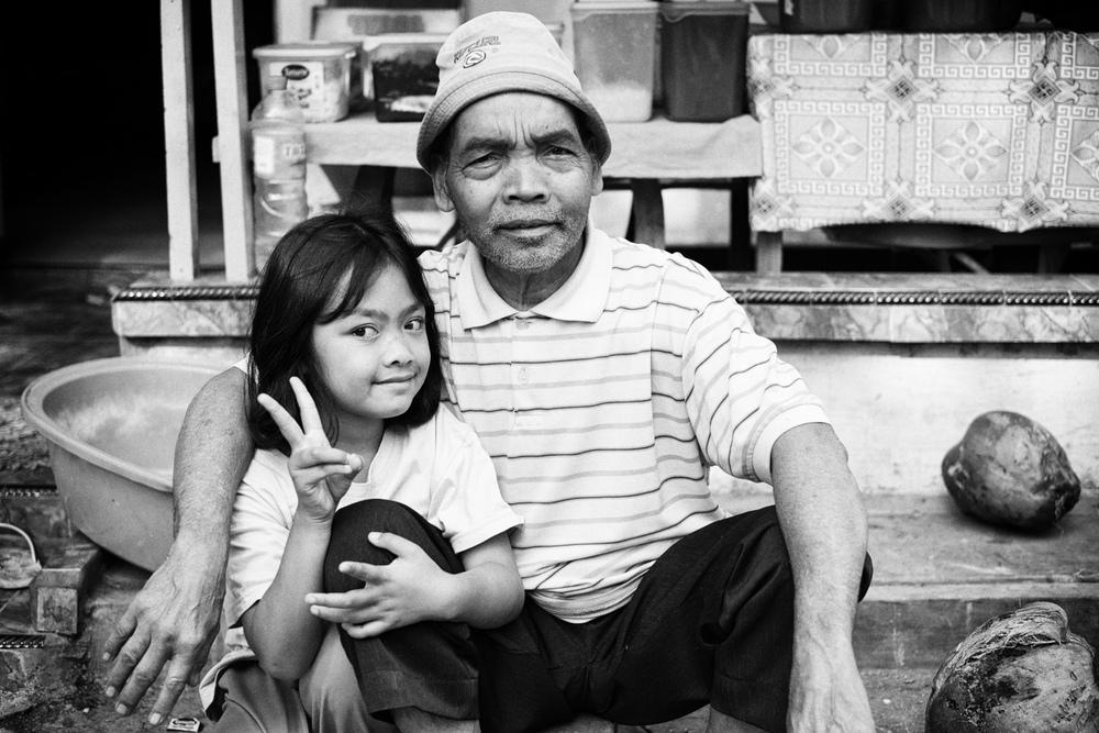 Famille sur les flancs du Kawah Ijen, Indonésie