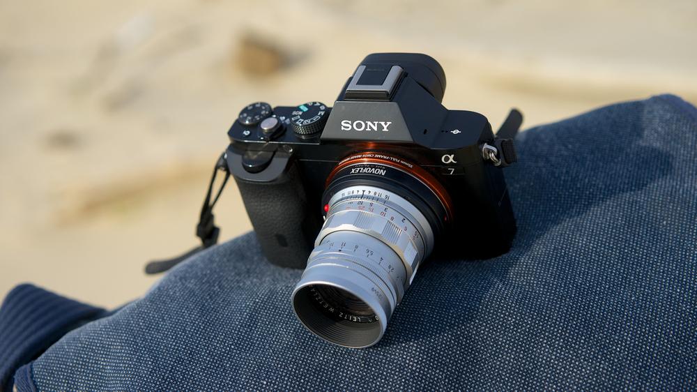 Leica Summicron M 50mm ƒ2 (série de l'année 1956. Une optique exceptionnelle, un rendu argentique Leica des années 50 et une gamme tonale étendue. Son seul défaut: une mise au point minimale d'un mètre.