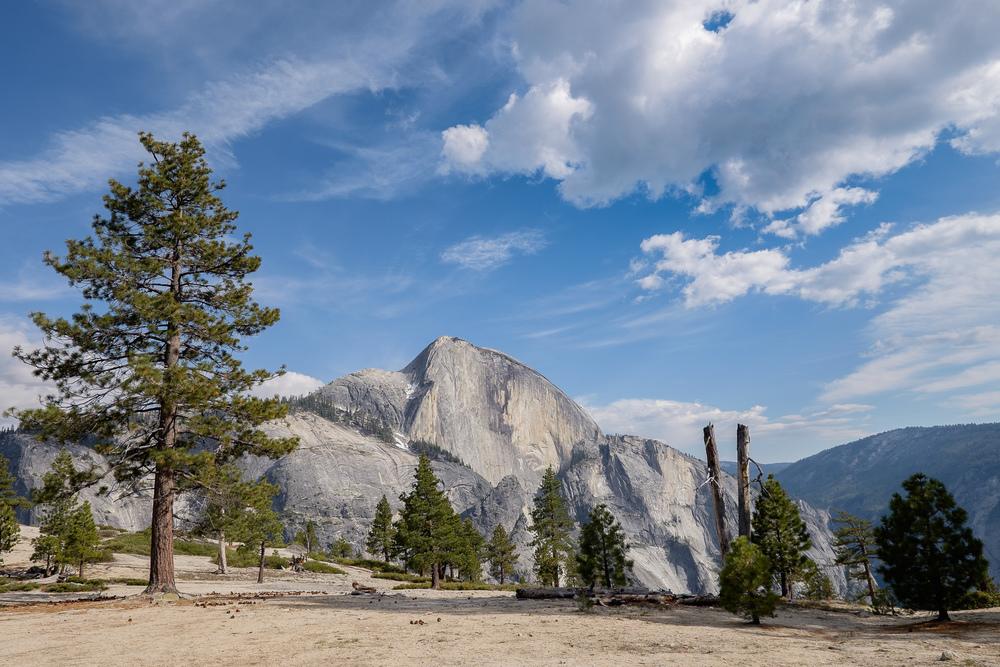 Au loin, Half Dome qui nous accompagnera durant les 3 jours de randonnée