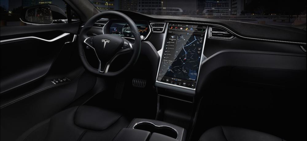 L'écran géant de la Tesla Model S, il sert à gérer le GPS, la radio, la climatisation...