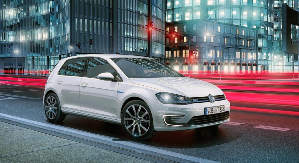 """Une Volkswagen Golf, ici en version """"sport électrique"""" GTE."""