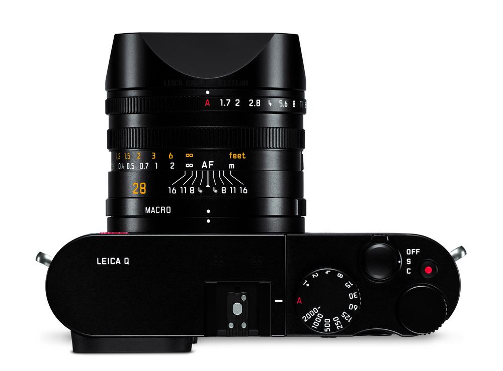 Leica Q_top_lenshood.jpg