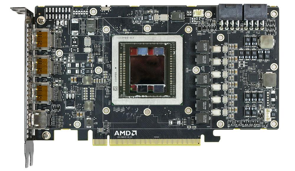 Le PCB de la nouvelle AMD R9 Fury X ne possède pas de puce mémoire, cette dernière étant intégrée directement dans le GPU.