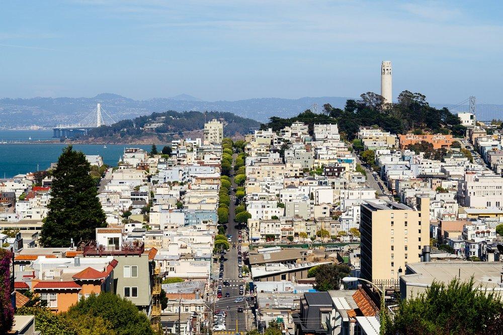 Vue sur l'une des nombreuses collines de San Francisco