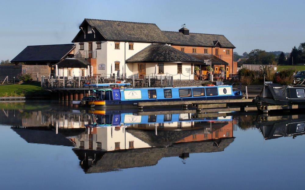 Calm start at Aston Marina.JPG