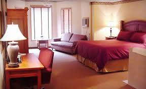 riverwood inn room.jpg