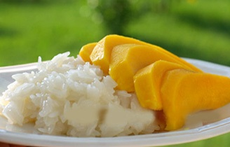 Sweet Sticky Rice With Fresh Sliced Mango