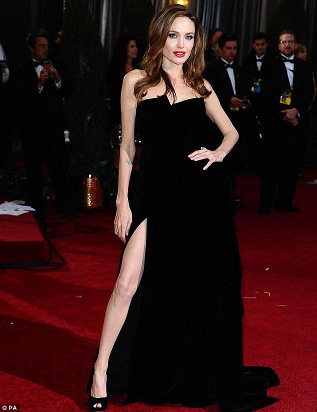 Angelina-Jolie-2012-Oscars.jpg