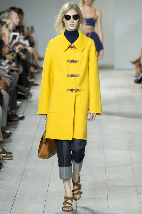 michael-kors-yellow-jacket-spring-2015-h724.jpg