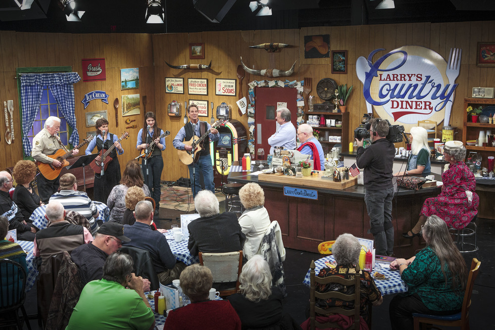 Dan, Hannah and Wendy made an appearance on RFD-TV's Larry's Country Diner (with Hall of Fame musician Jimmy Capps on guitar), which aired April 11, 2015!
