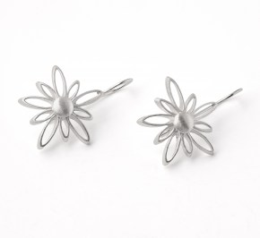 flower earrings.jpg