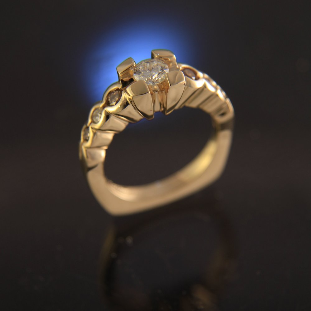 Yellow Gold Diamond white cognac.jpg