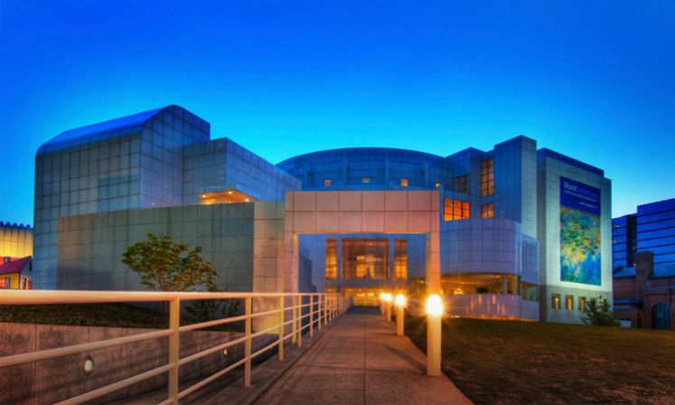 Atlanta-High-Museum-of-Art-Exterior-Dusk.jpg