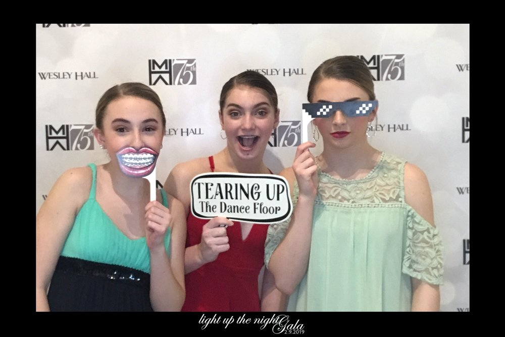 2019-02-19 dancers photobooth.jpg