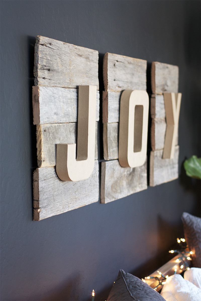 Reclaimed wood diy christmas sign kristi murphy diy ideas - Lettre decorative murale ...