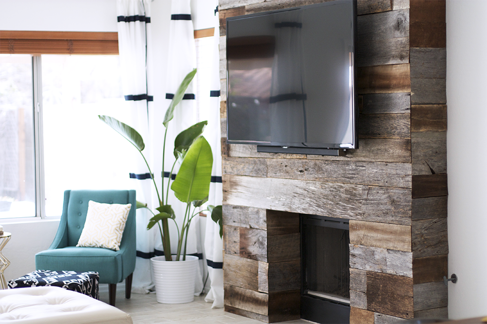 DIY Reclaimed Wood Fireplace