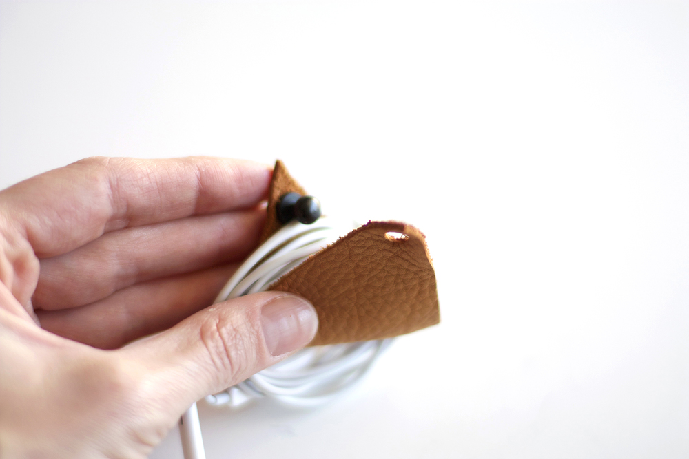 Earbud Holder DIY